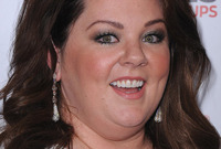 Melissa-mccarthy-high-volume-hairstyles-for-a-full-face-side